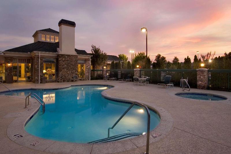 Pool Hilton Garden Inn Atlanta Northpoint