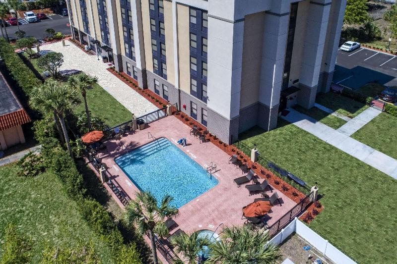 Pool Hampton Inn Orlando-maingate South