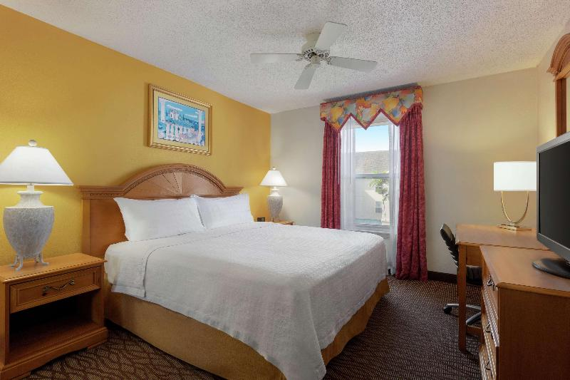 Room Homewood Suites Fort Myers - Bell Tower