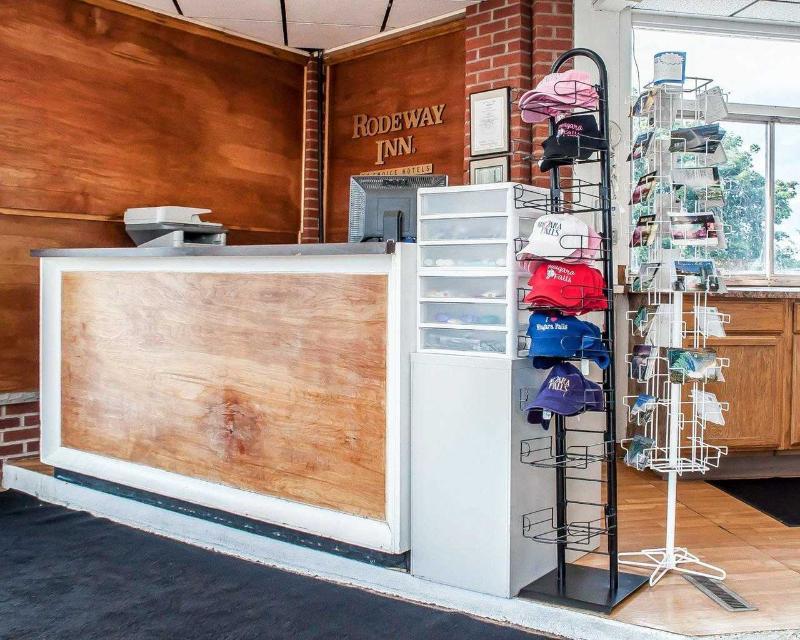 Lobby Rodeway Inn