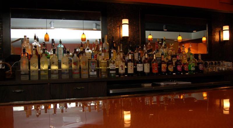 Bar Rodeway Inn & Suites East Windsor