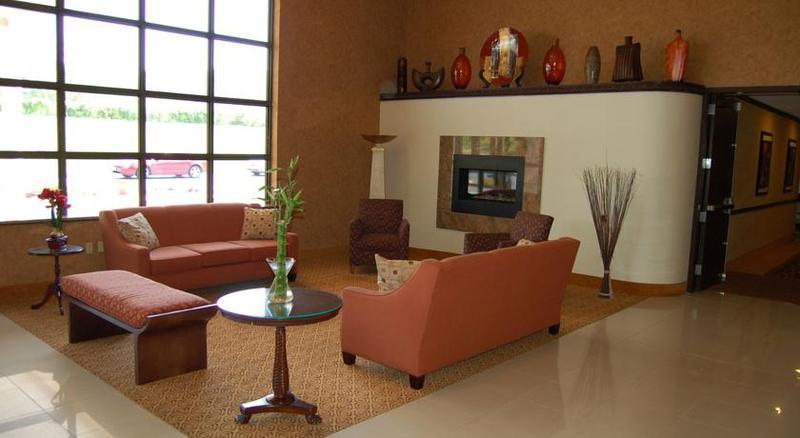 Lobby Rodeway Inn & Suites East Windsor