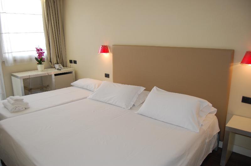 Room Hotel Roma Tor Vergata