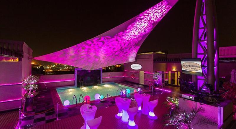 Terrace Mercure Gold Hotel Al Mina Rd