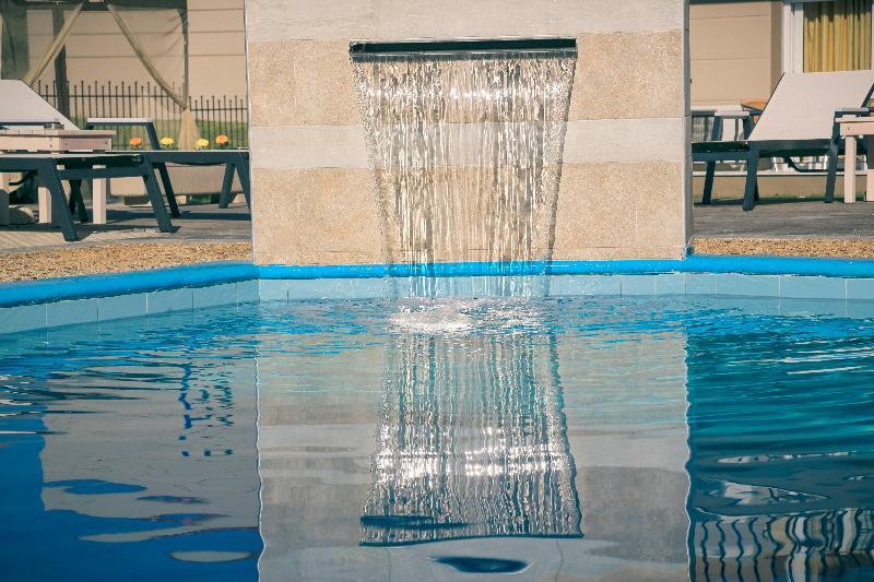 Pool Royal Hotel