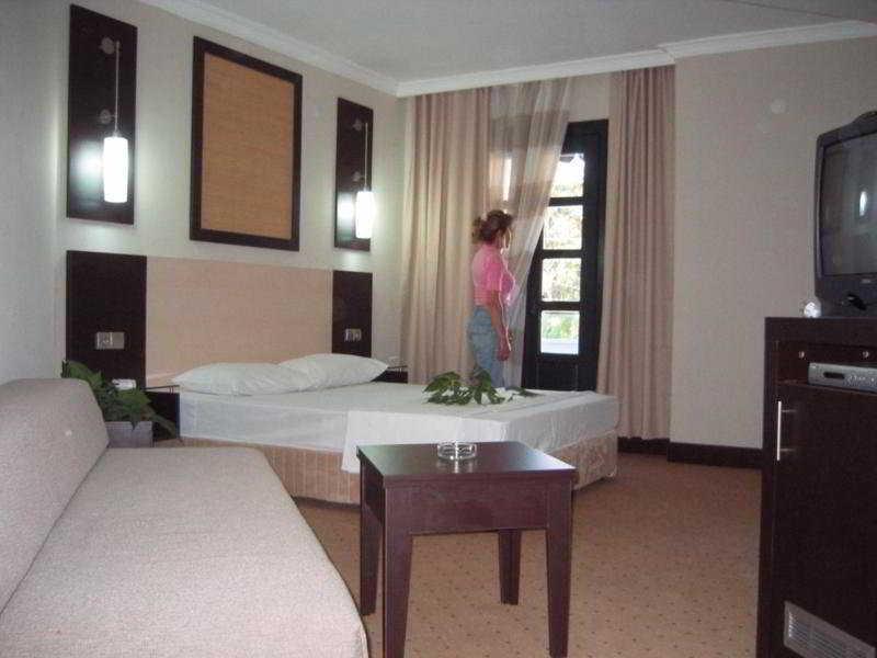 Reemyvera Beach Resort - Room - 2