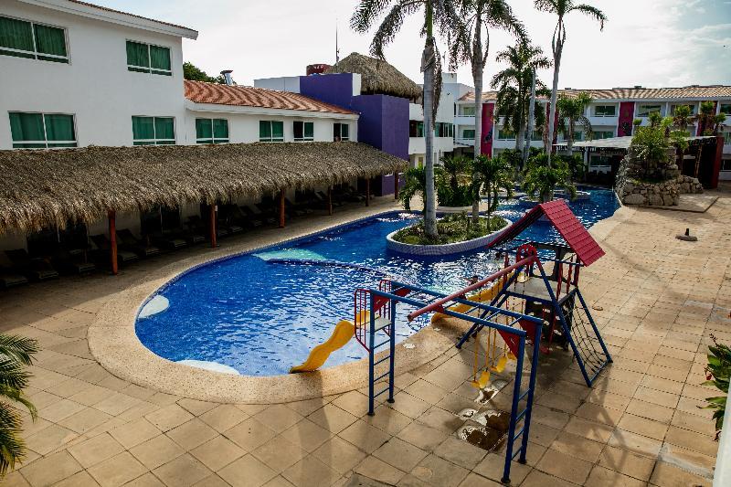 General view La Isla Huatulco & Beach Club