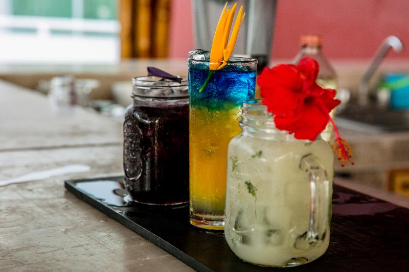 Bar La Isla Huatulco & Beach Club