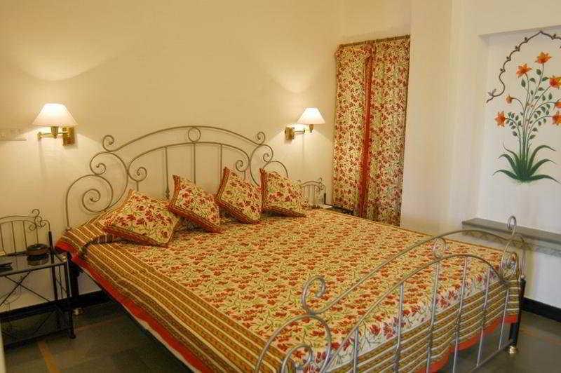 Room Mewar Haveli