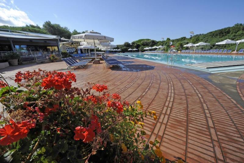 General view Hotel Wellness Resort Riva Degli Etruschi
