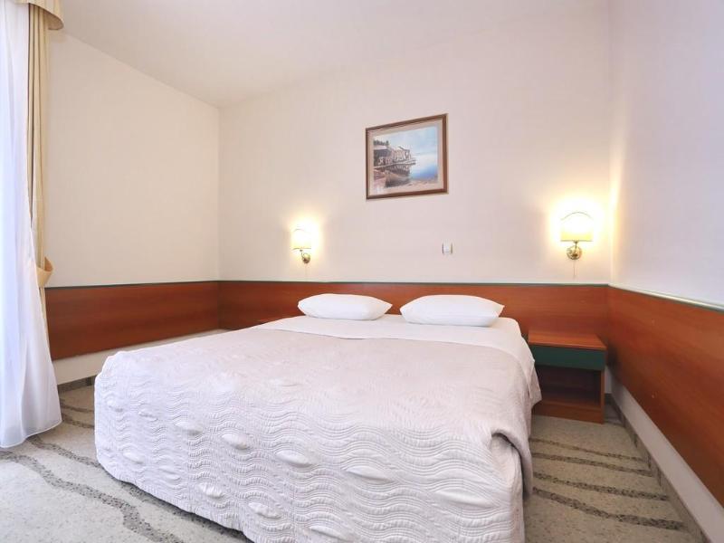 Room Mediteran