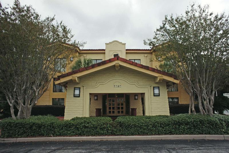 La Quinta Inn Pensacola - Hotel - 2