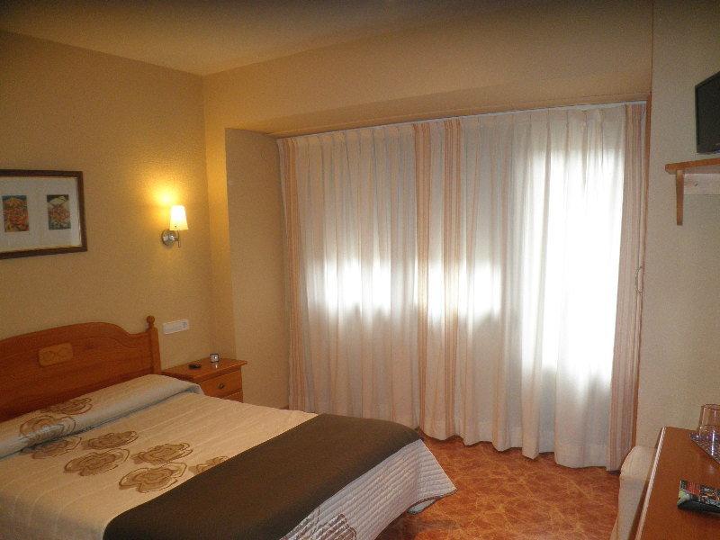Room Sanchez