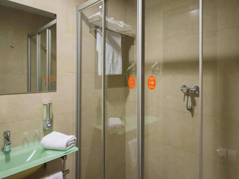 Fotos Hotel B&b Hotel Barcelona Rubí