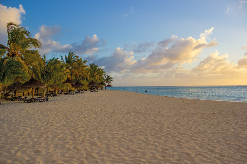 Beach Dinarobin Beachcomber