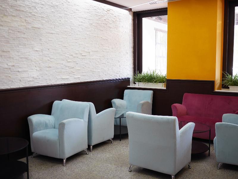 Lobby Oasis Hotel Kuwait
