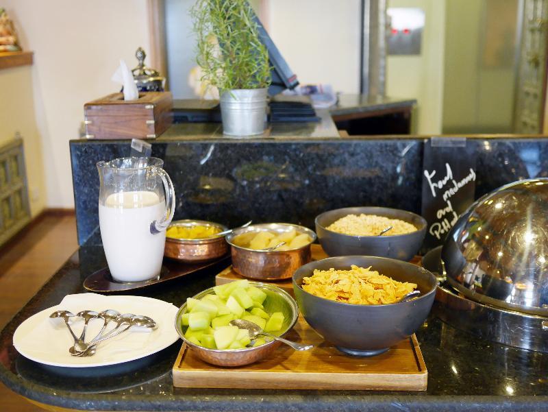 Restaurant Oasis Hotel Kuwait