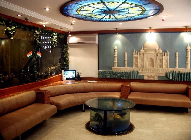 Lobby Supreme
