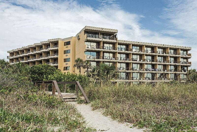 La Quinta Inn & Suites Cocoa Beach - Oceanfront - Hotel - 2