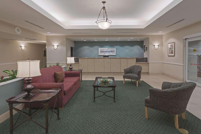 La Quinta Inn & Suites  Fort Myers Airport - General - 0