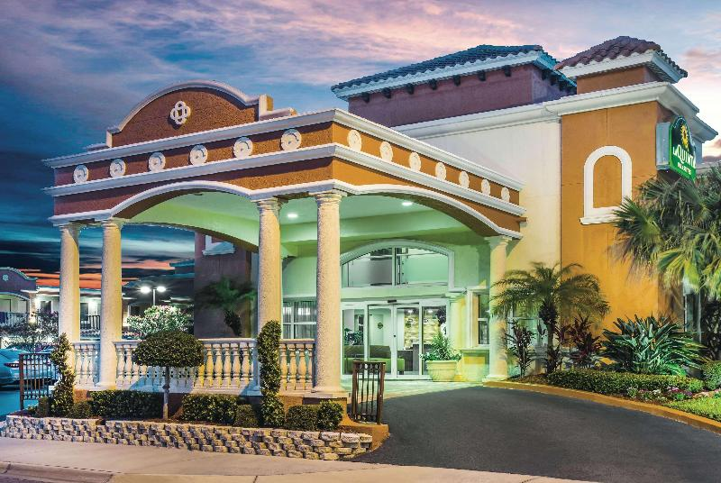 La Quinta Inn & Suites Daytona Beach - Oceanfront - Hotel - 2