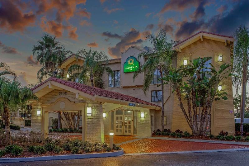La Quinta Inn Tampa Bay Pinellas Park Clearwater - Hotel - 1