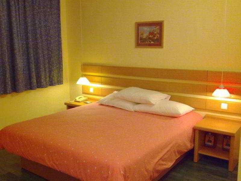 Room Home Inn Baiyun Avenue