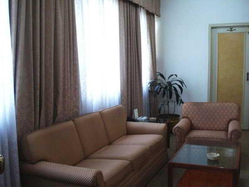 Room Ritz