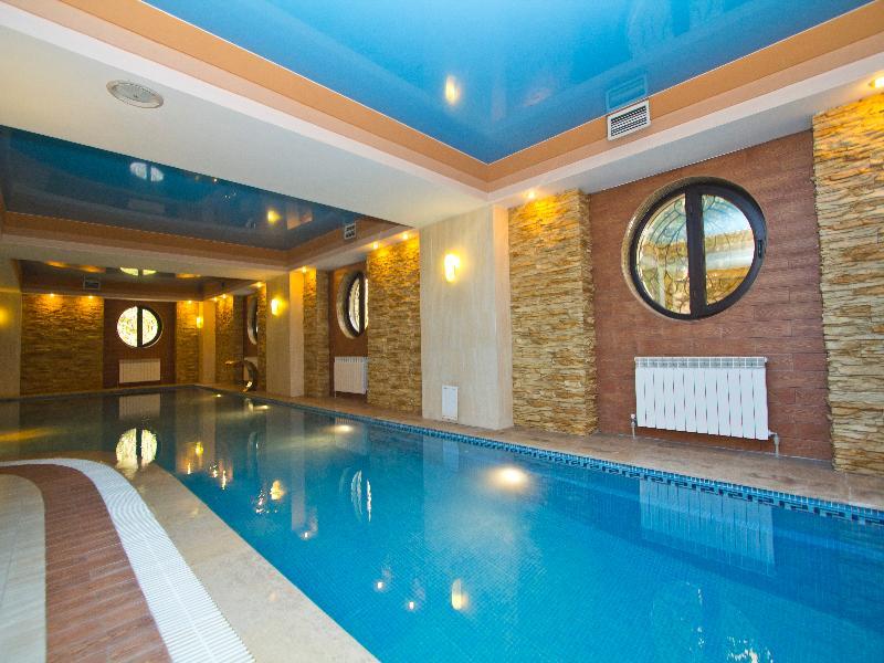 Pool Kazzhol