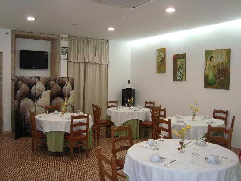 Restaurant Residencial Porto Madrid