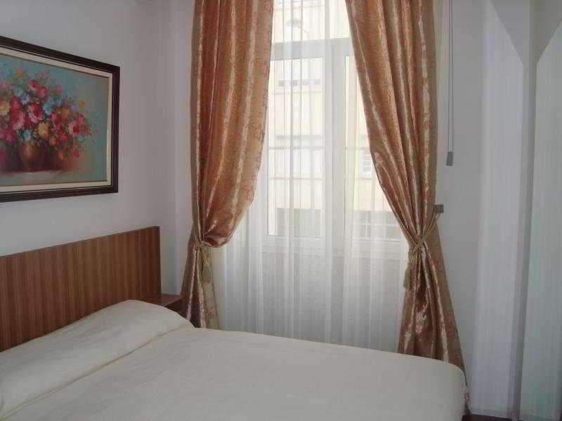 Room Residencial Porto Madrid