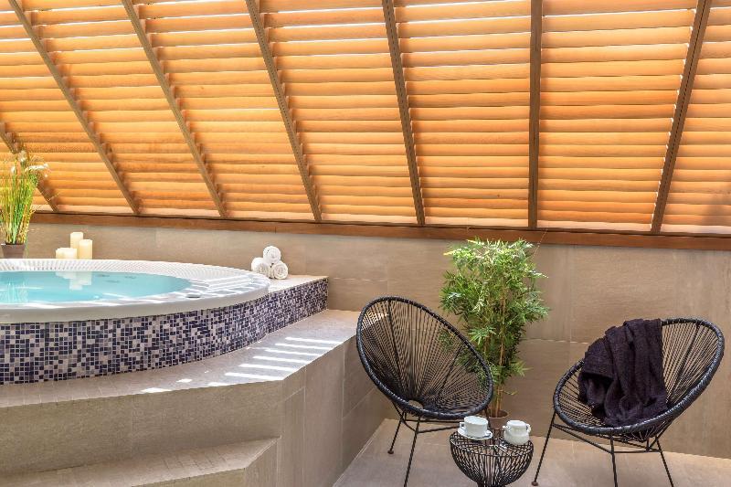 Sports and Entertainment Best Western Les Bains De Perros-guirec Hotel Et S
