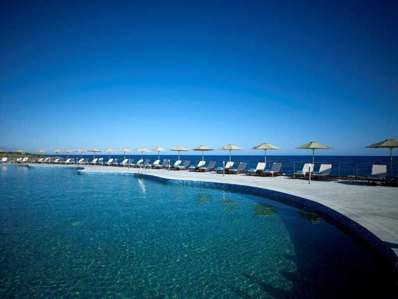 Pool The Royal Blue