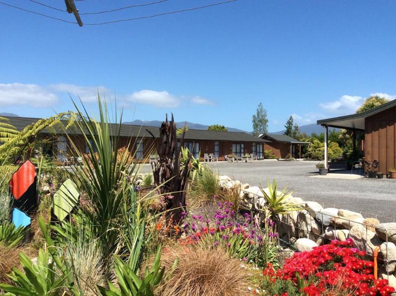 General view Buller Bridge Motel