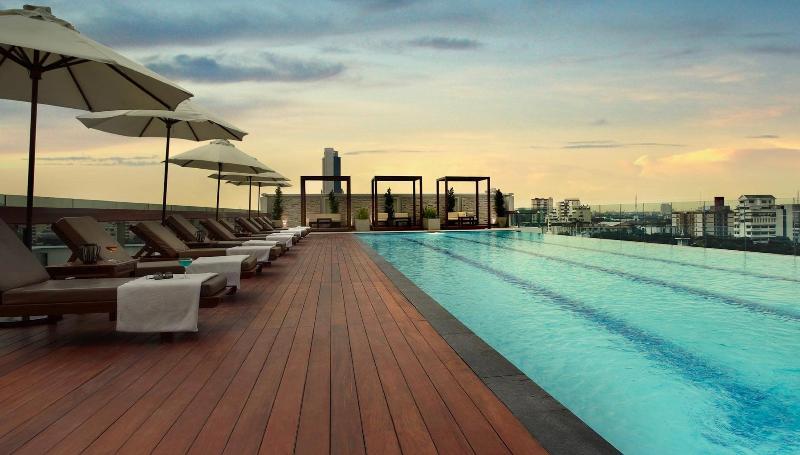 Pool Amari Residences Bangkok