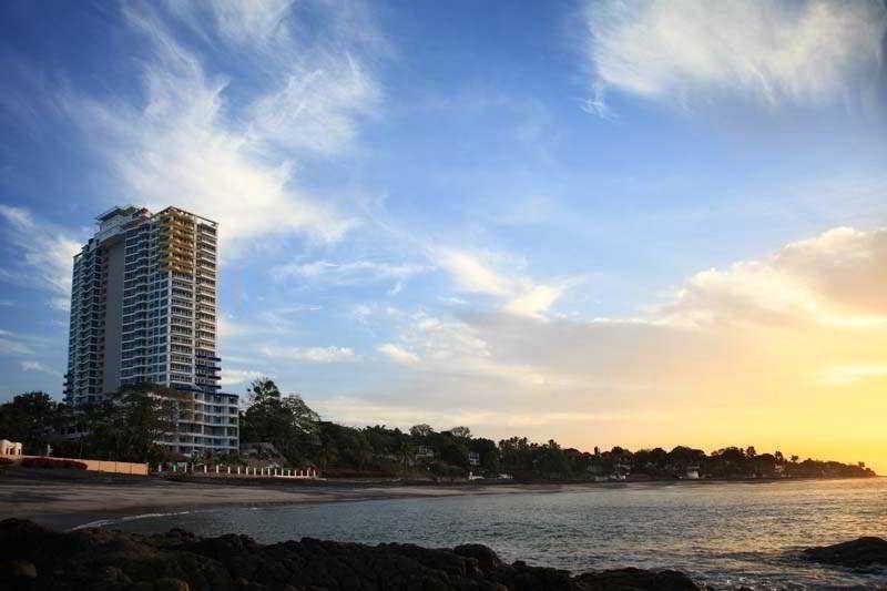 General view Solarium Coronado Beach