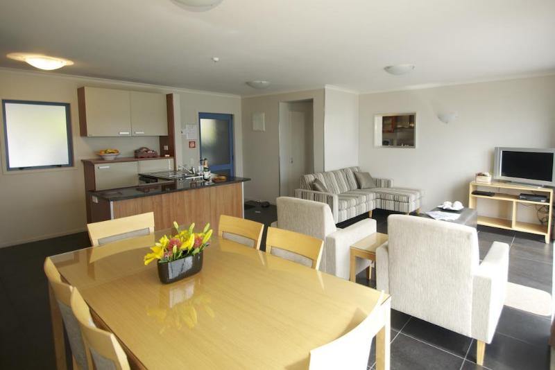 Blue Pacific Apartments - Hotel - 2