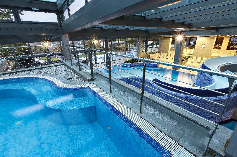 Pool Savica Garni
