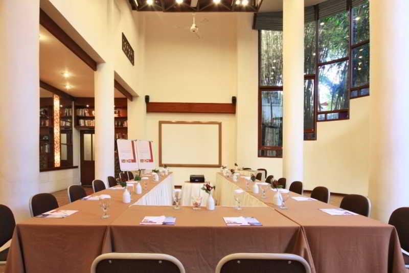 Novus Puncak Resort & Spa - Conference - 10