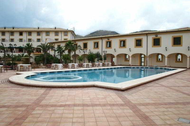 Pool Genoardo Park