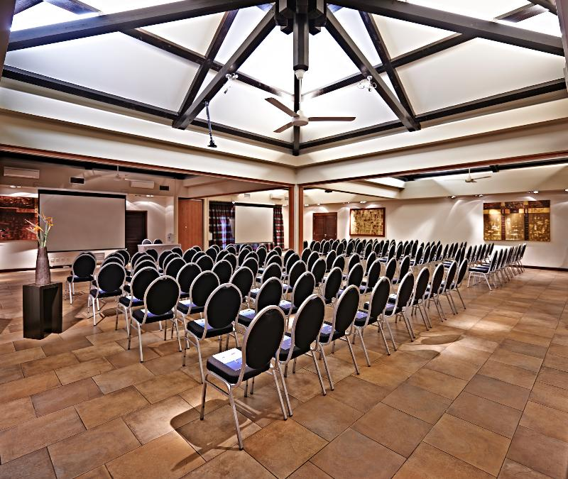 Conferences Palm Hotel & Spa