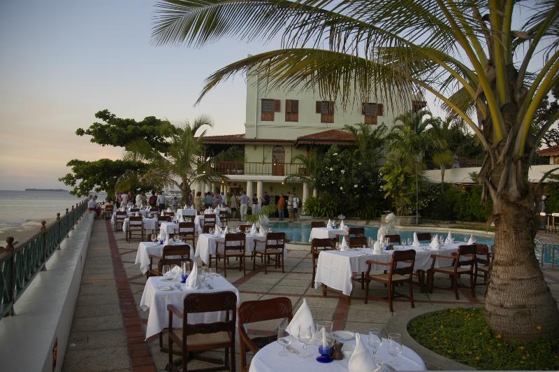 Pool Zanzibar Serena Hotel