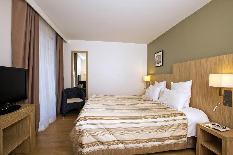 Room Residhome Arcachon Plazza
