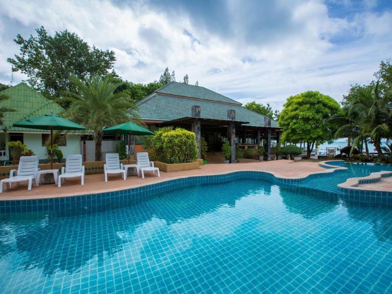 Andaman Beach Resort - Pool - 2