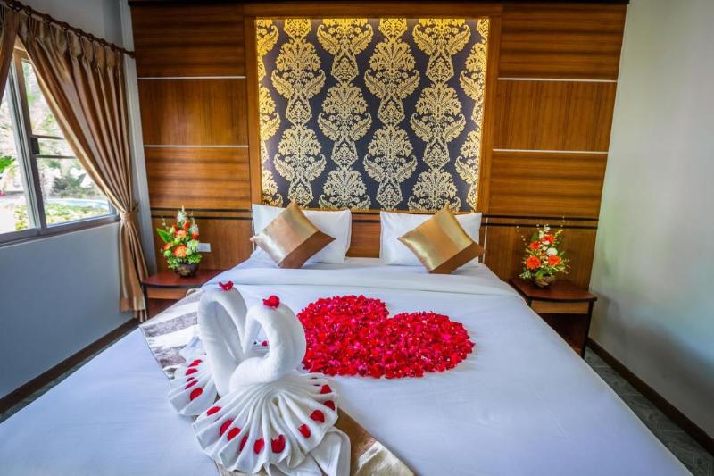 Andaman Beach Resort - Room - 8