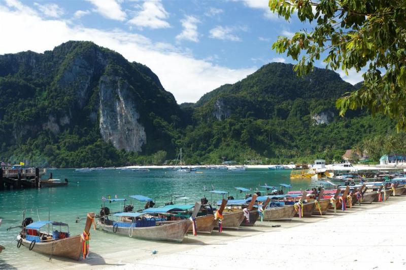 Andaman Beach Resort - Pool - 9