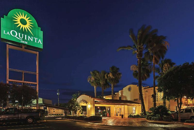 La Quinta Inn Laredo I-35 - Hotel - 1