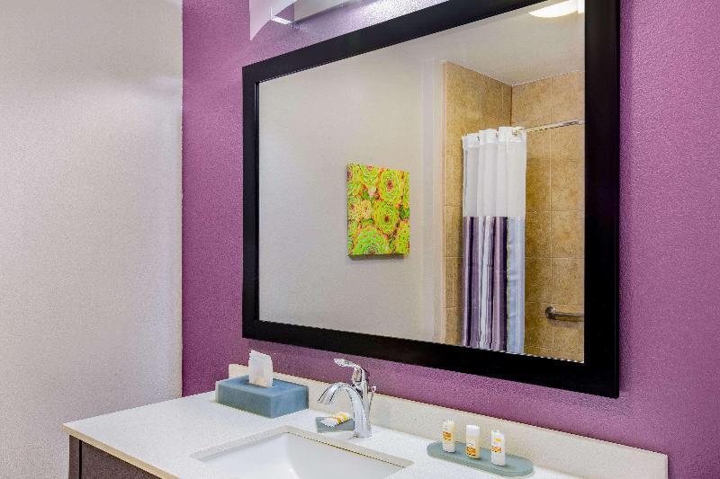 La Quinta Inn & Suites Mission at West McAllen - Room - 6
