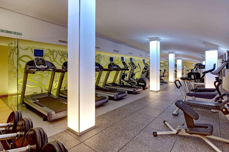 Sports and Entertainment Hilton Garden Inn Frankfurt Airport