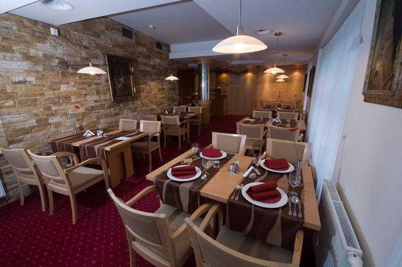 Restaurant Business Hotel Alley